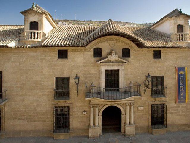Palacio Abacial – Museo Municipal